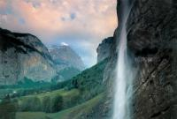 высокий водопад