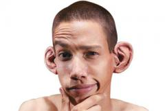человек с большими ушами