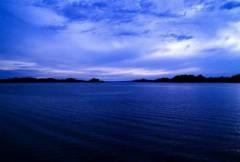 Красивое большое озеро